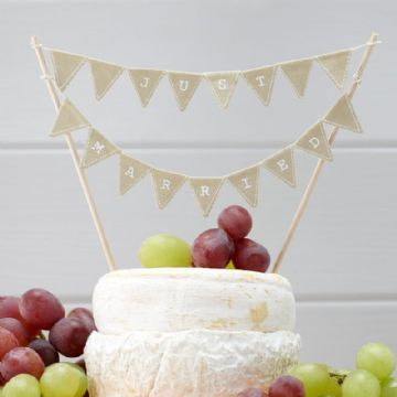 Just Married Mini Wedding Cake Bunting